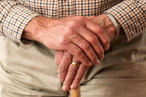 見た目を老けさせる8つの生活習慣を取り除こう
