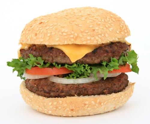 食中毒が原因でモスバーガーが赤字?品質は大丈夫?を解説します。