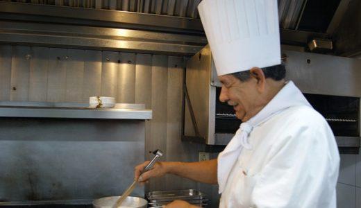 調理師、シェフになるにはどうしたらいい?手順や働き方を紹介!