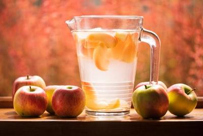 リンゴ酢を飲むタイミングは「食前」がオススメ!ダイエットに効果のある量も紹介。